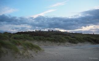 Niederländische Dünenkunst mit Ausguck