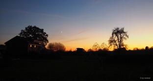 Landschaftliche Scherenschnittspiele am Abend